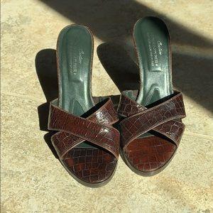 Donald Pliner 9.5 heels